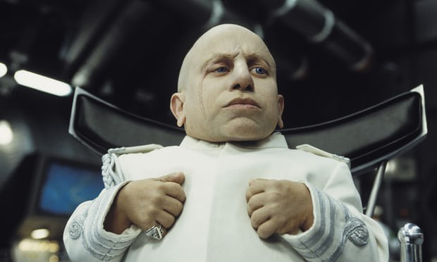 Verne Troyer 日前與世長辭,終年49歲,遺言要「互愛」